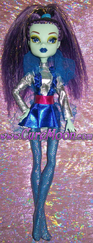 monster-doll
